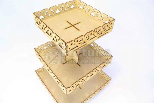 Base para cupcakes ideal para mesa de dulces para bautizo