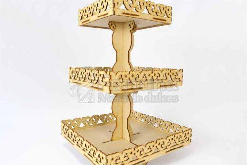 Base para cupcakes con el tema floral ideal para mesa de dulces para bodas