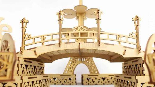 puente de paletas en mesa de postres para xv anos